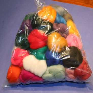 Corriedale – Bag of Nests (50 Colours) – 500g